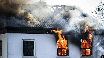 Building on fire, campaign image expert webinar Eisma Bouwmedia